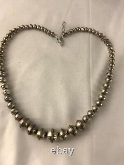 Hand Stamped Bench Navajo Pearls Graduated Sterling Silver Bead Necklace 18 335