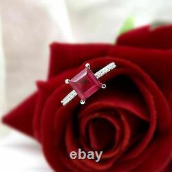 Bague De Fiançailles 8 MM Square Red Ruby Solitaire 925 Sterling Silver 2 Ct