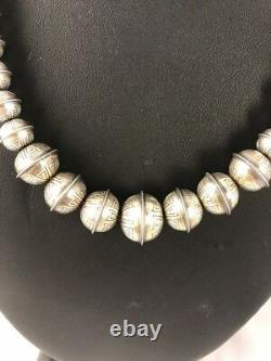 Hand Stamped Bench Navajo Pearls Graduated Sterling Silver Bead Collier 18 335